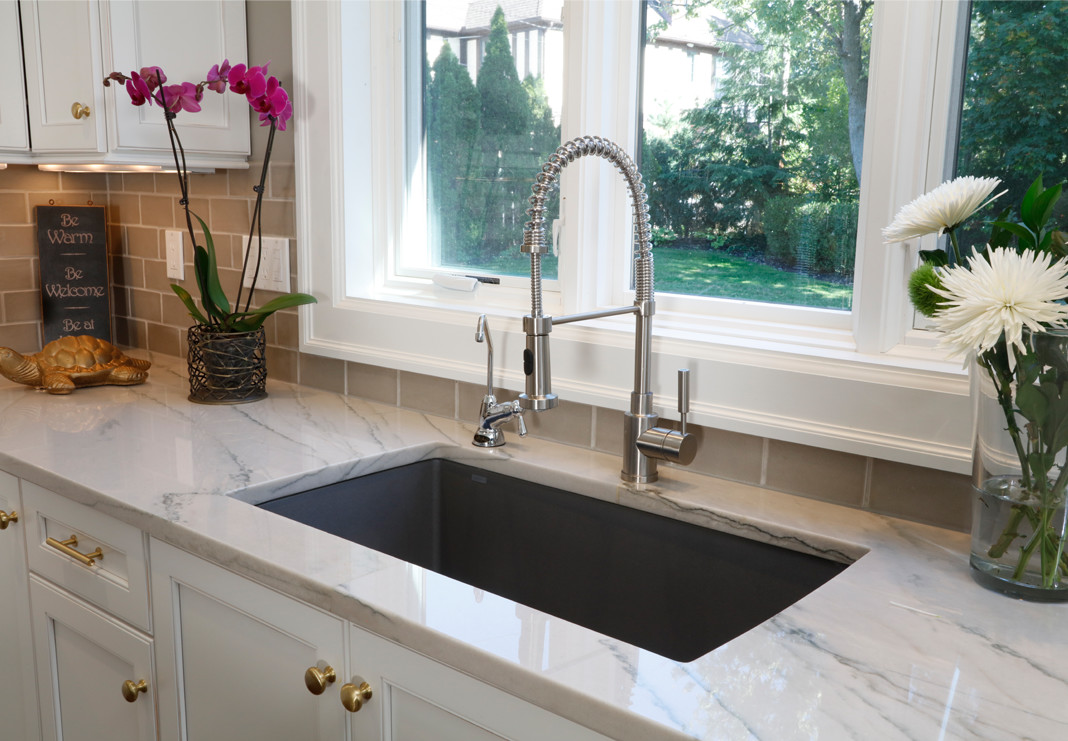 Quartz Countertop with Sink