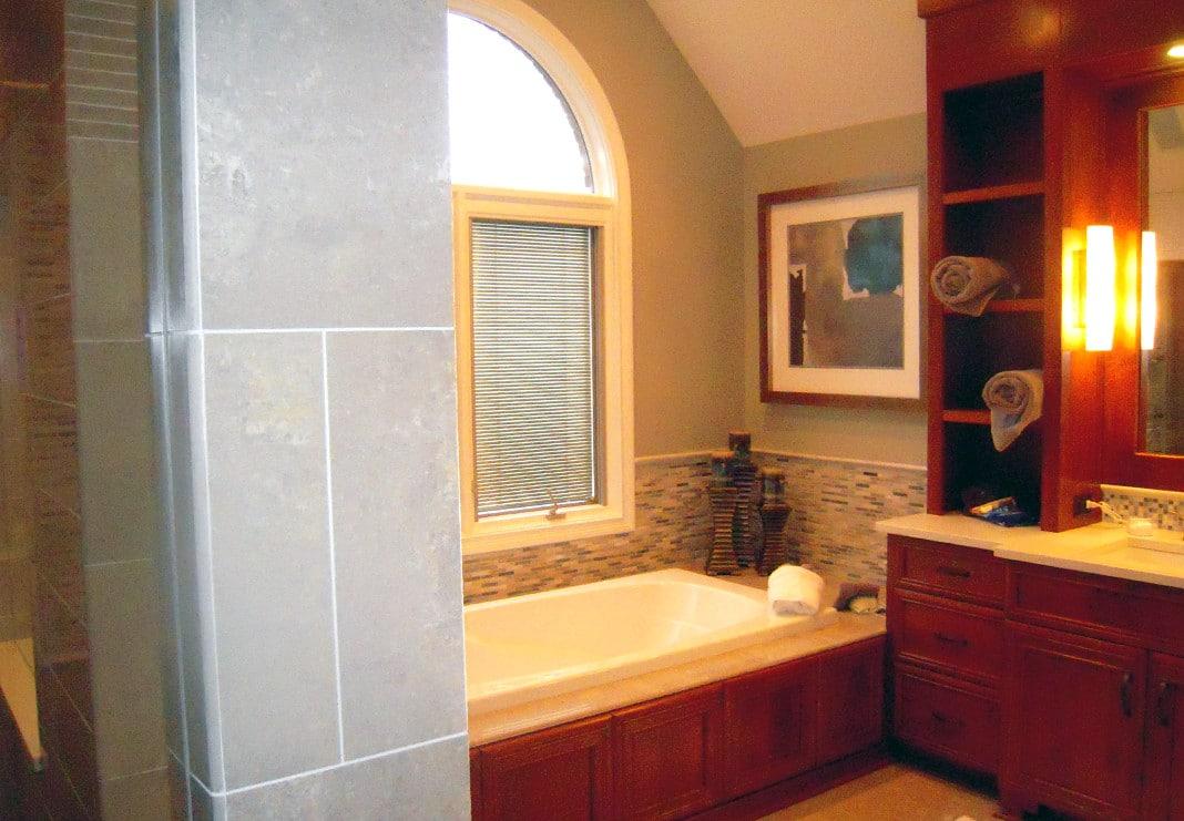 Updated Bathroom Soaking Tub