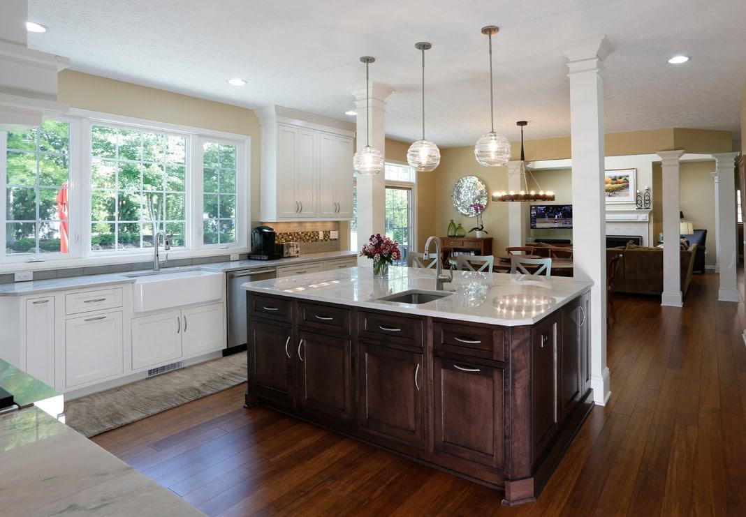 Open and Elegant Kitchen