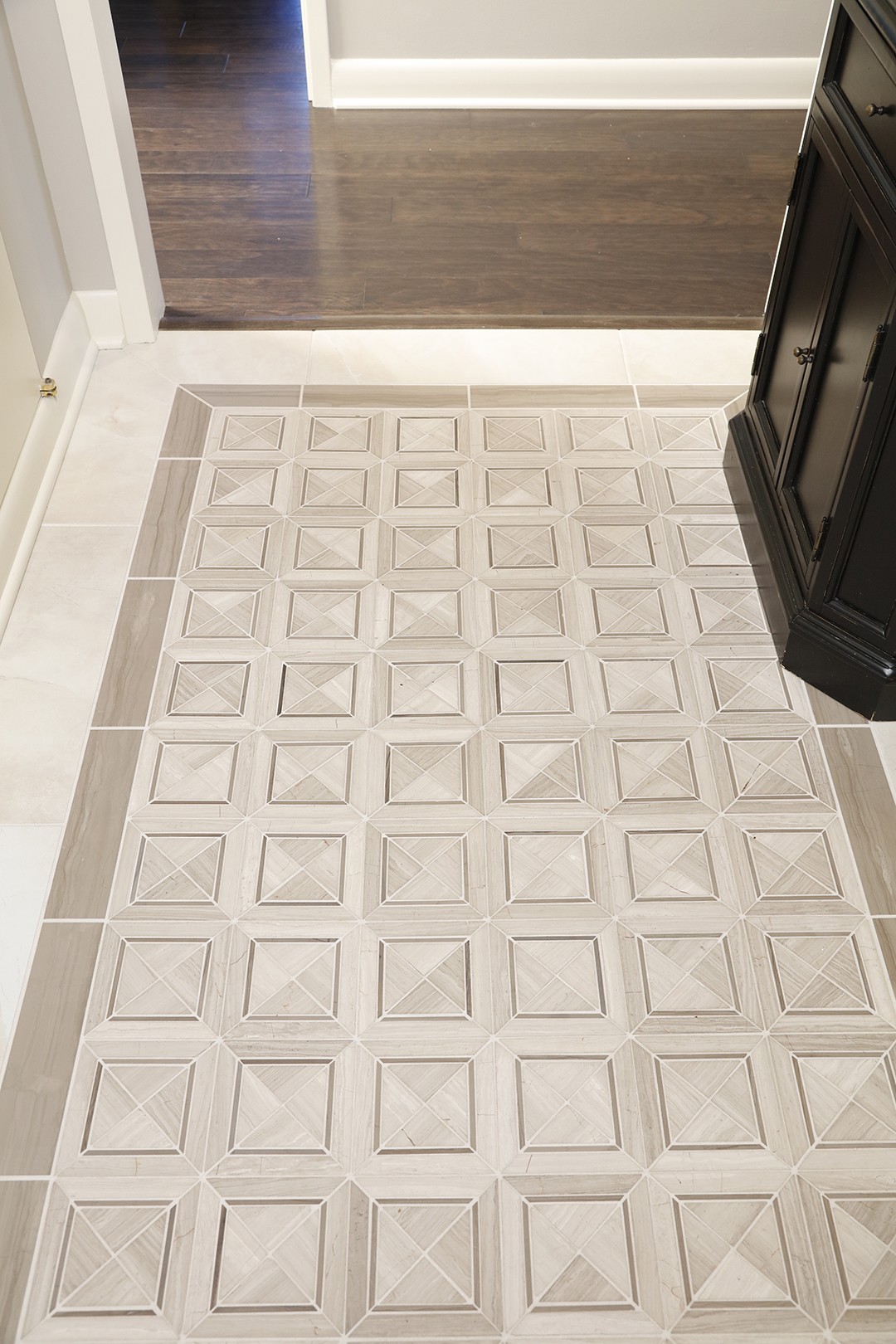 Decorative floor tile inlay